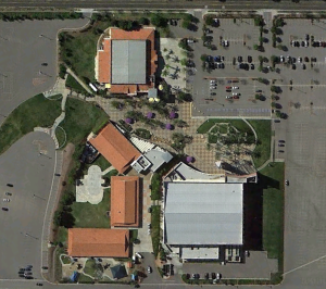 Crossroads Christian Church in Corona, CA with pedestrian friendly layout